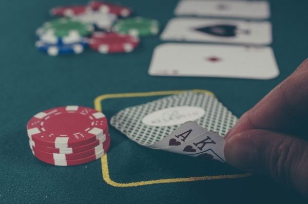 How To Play Poker Live: Ultimate Guide